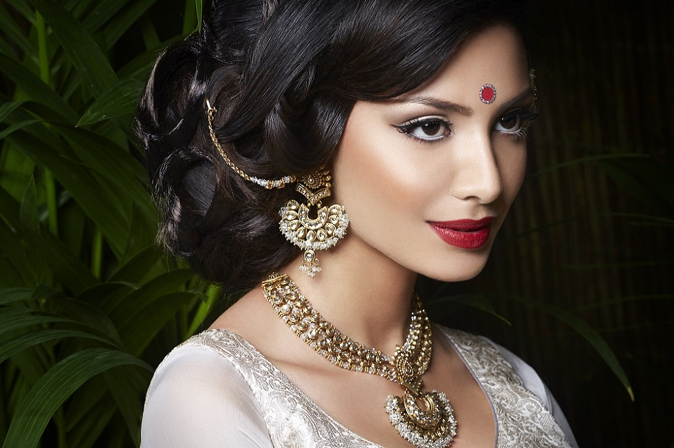 Asian Bridal Hair & Makeup Artist In London And